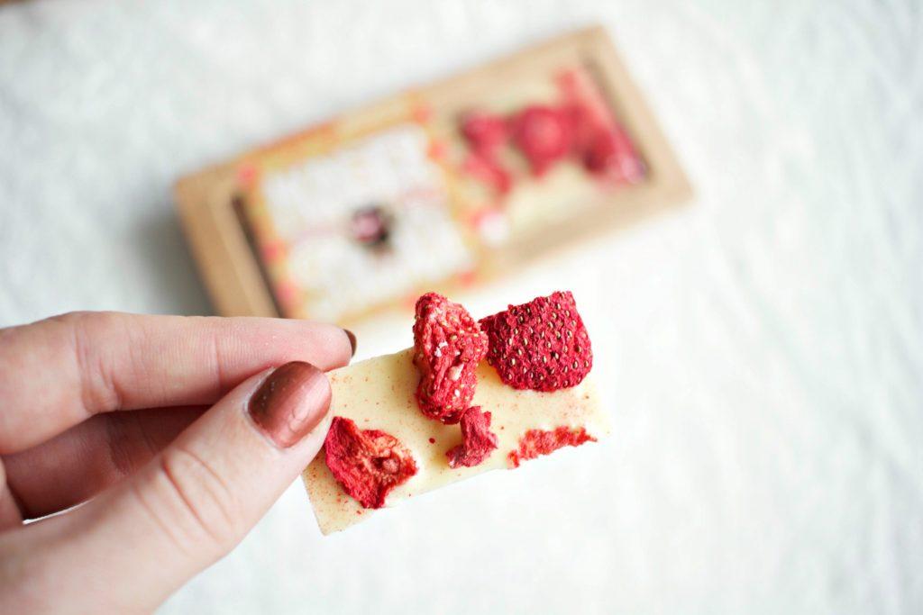 47d959e15 Sukkerfri sjokolade med tørkede jordbær!